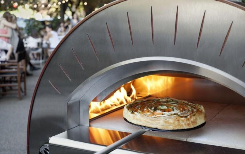 Biesiadowanie z piecem do pizzy (piecem chlebowym). 11